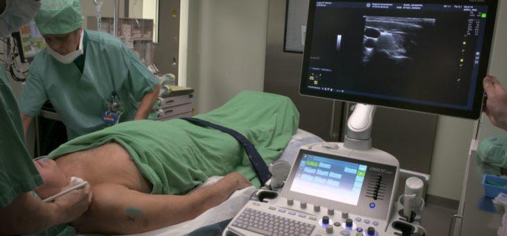 Wach während der Operation